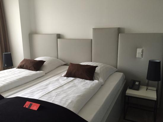 Pearl Hotel: Comfortable room and beds