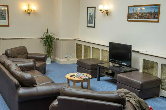 Glasgow Youth Hostel: Television Lounge
