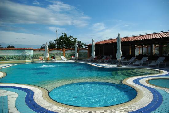 هوتل فيلا ليتان: Swimming pool