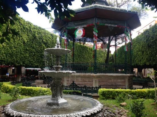picture of jardin de la union guanajuato