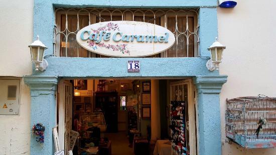 Cafe Caramel: Sıcak bir mekan,güleryüzlü ve misafirperver sahibi Yasemin Hanım'a teşekkür ederiz.Enfes cheesca