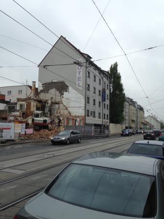 Hotel Donaustadt Kagran: ホテル外観