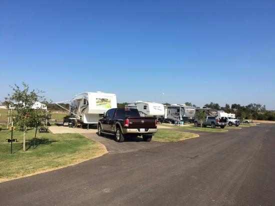 Brazos Valley RV Park: Nice Layout