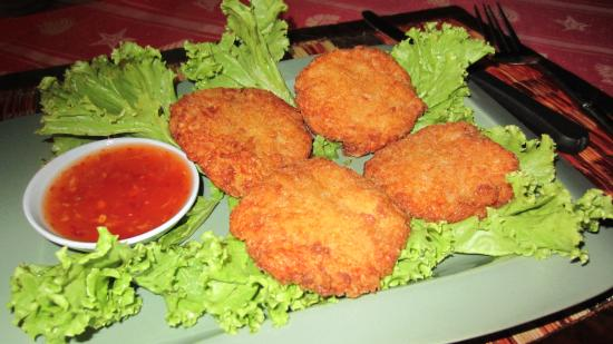 Tod Mun Goong-deep fried prawn cakes with sweet dipping