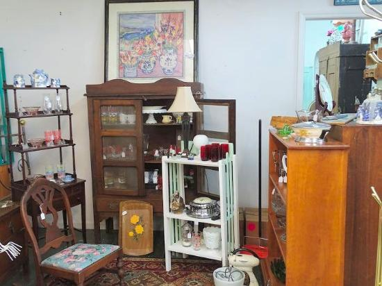 Olde Towne Antiques And Upholstery