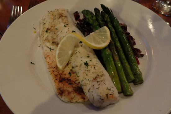 Splashing Rock Restaurant: Canadian Walleye broiled
