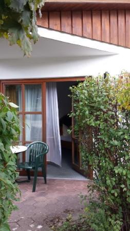 Hotel Christl Garni: Aan het terras