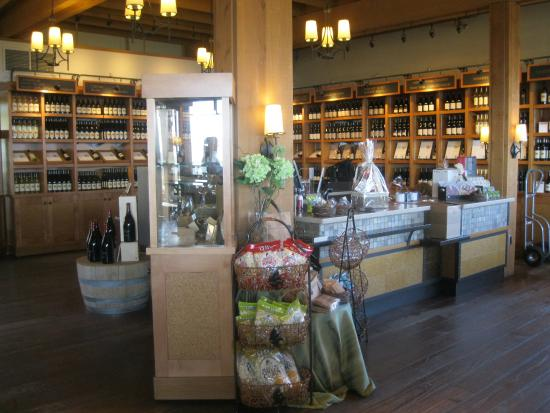 West Kelowna, Canada: INSIDE TASTING ROOM