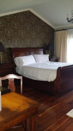 Eganridge Inn and Spa : bed - very comfy.