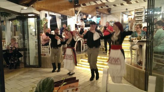 Camelot Restaurant: Критский вечер