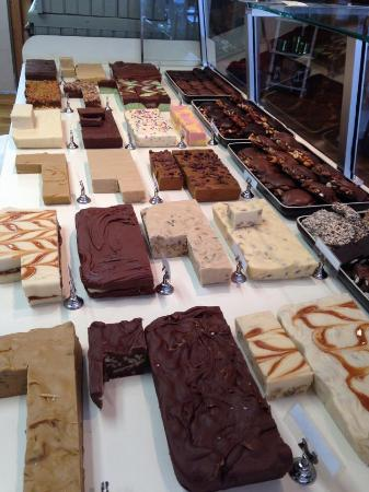 Straw Cellar Fudge : Fudge