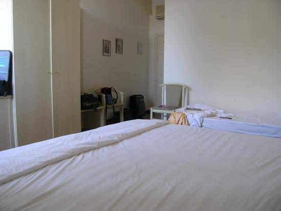 Hotel Parco: un angolo della stanza