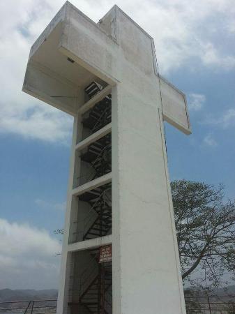 Bahia de Caraquez, Equador: La cruz de cerca