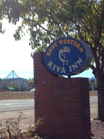 Best Western Kiva Inn : Sign and view of go-kart place across the way