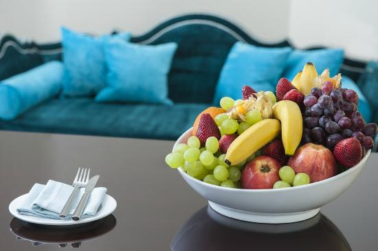 The Apartments by The Sloane Club: Little Luxuries - Seasonal fruit basket