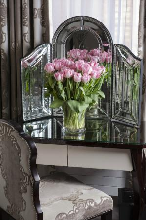The Apartments by The Sloane Club: Little Luxuries - fresh flowers