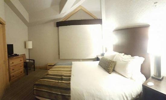 Fairmont Heritage Place, Franz Klammer Lodge: Guest Bedroom