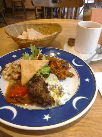 Cafe Trio: The hot and cold meze.