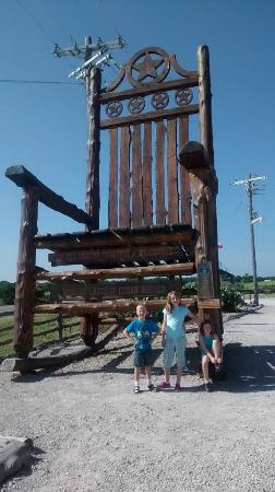 Excellent Worlds Largest Cedar Rocking Chair Picture Of Natty Flat Frankydiablos Diy Chair Ideas Frankydiabloscom