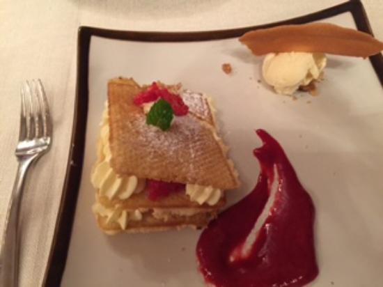 Bourgvilain, France : Dessert