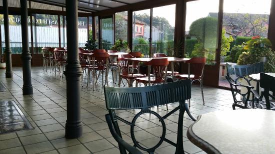 Hotel Castillo de Gauzón: Terraza Zona de desayunos