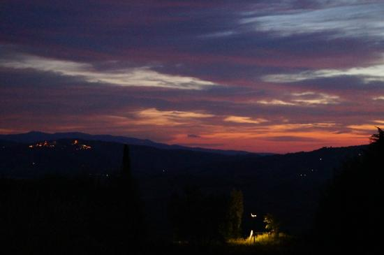 Hotel Corsignano - Pienza: Sunset from room 504