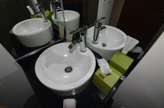Suites La Concordia : Bathroom