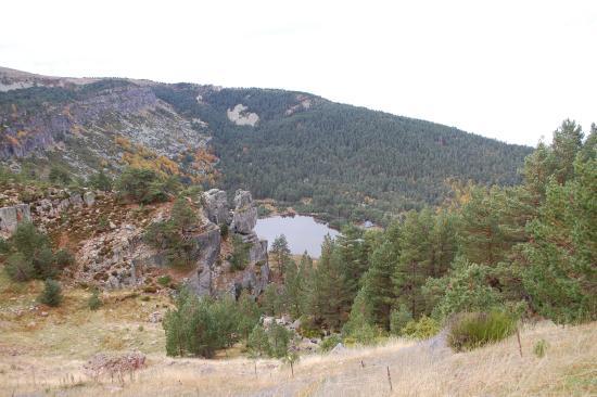 Lagunas de Neila: Vista de una laguna