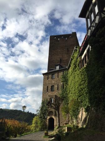 Castle Hotel Auf Schoenburg: Entrance to the castle