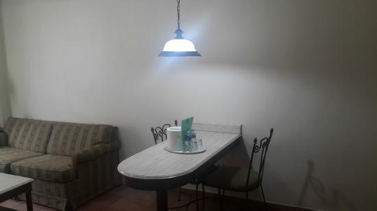 Hotel & Suites El Picacho : Desayunador Suite Doble