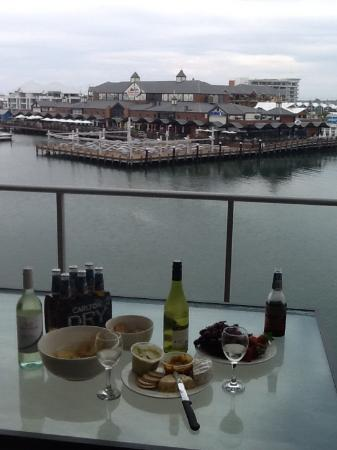 Dolphin Quay Apartment Hotel: The view from our balcony