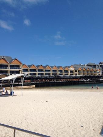 Dolphin Quay Apartment Hotel: Quality Suites Crest Mandurah