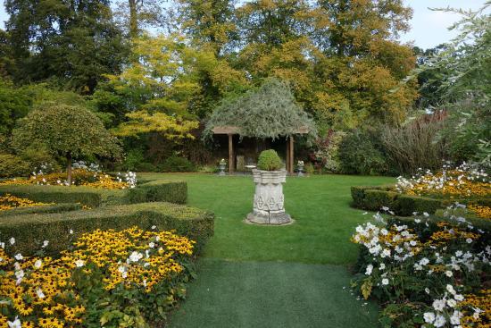 Weston on the Green, UK: Gardens