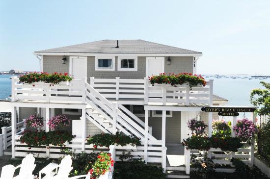 Dyer's Beach House : Life Elevated @ Dyer' Beach House