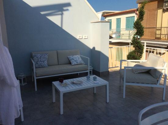 terrazza - Foto di Gioia Resort Sea Design Rooms & Suite, Marina ...