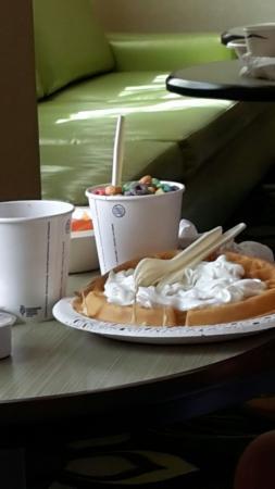 Hampton Inn & Suites Palm Desert: colazione