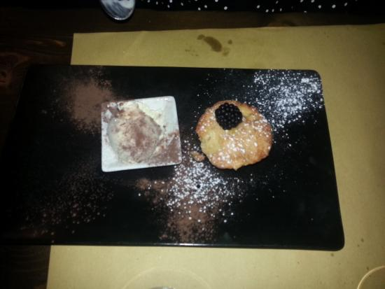 Torta di mele calda con gelato picture of la cucina di - La cucina di via zucchi monza ...