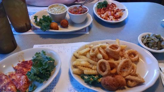 Cedar River Seafood, lunches