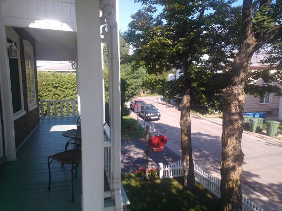 Gite Au Clocheton: balcon devant