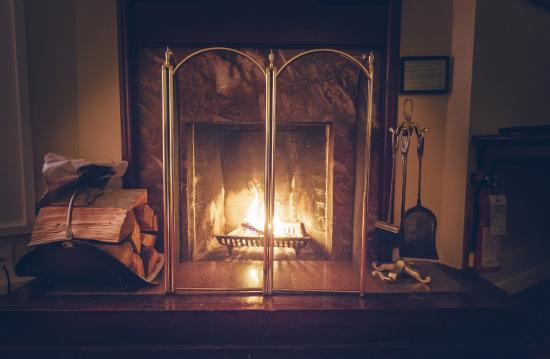 Bedford Regency Hotel: Superior Room - Fire Place