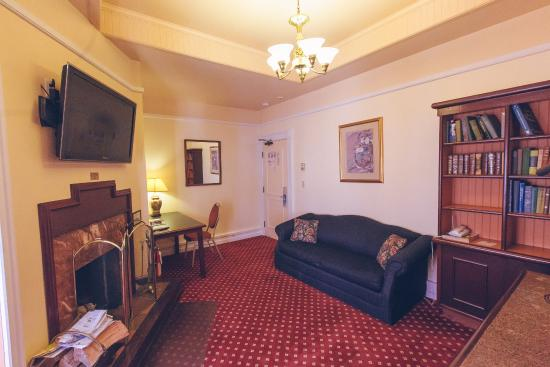 Bedford Regency Hotel: Superior Room