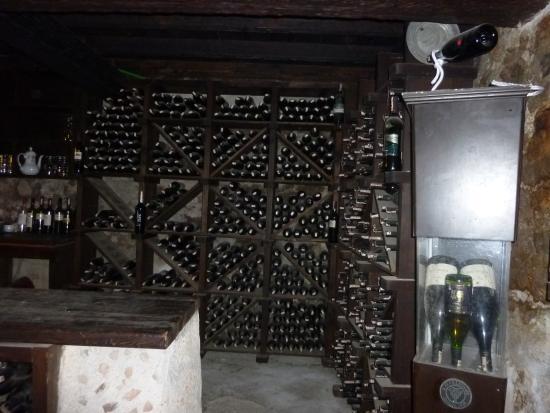 Start Apartments: Levissi Garden Wine Cellar