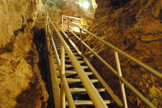 Foyer Stairs Reviews : Entryway stairs picture of sitting bull crystal caverns