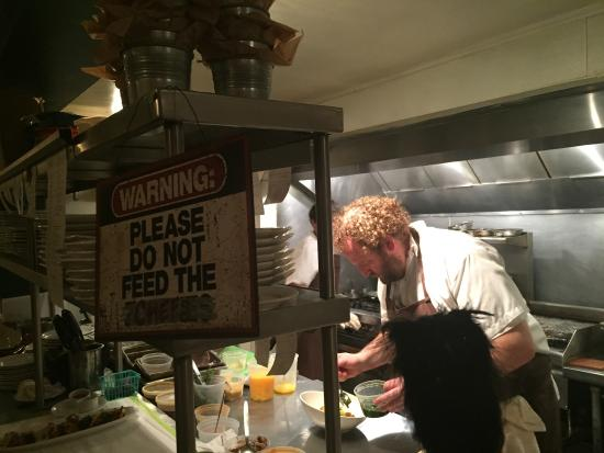 Forestville, CA: Please Don't Feed the Chef