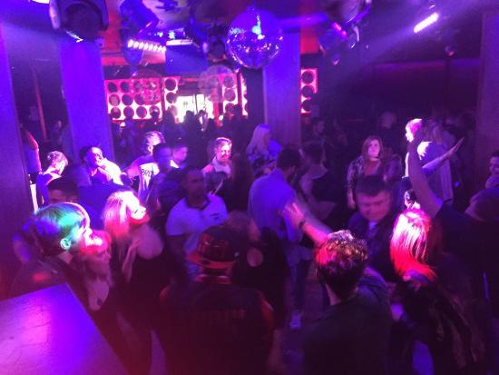 Ashbourne Court Hotel: Bed Nightclub