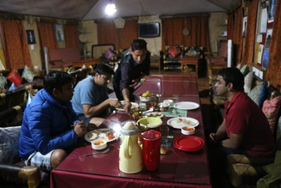 Cherry Village Resort : Dining area with Carrom and Karaoke
