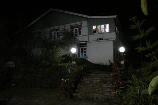 Cherry Village Resort : Night view