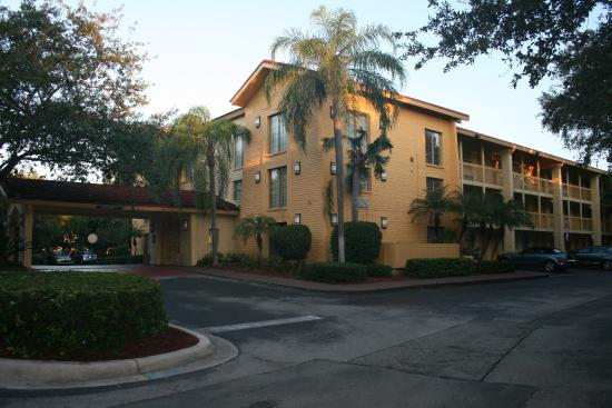 La Quinta Inn Deerfield Beach I-95 at Hillsboro E : front view of the hotel