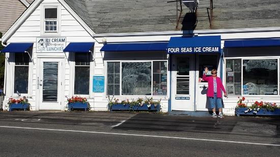Centerville, MA: Serving GREAT ice cream for at least 50 years (that I know of)