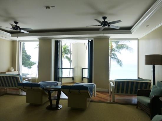 Waiting Lounge chairsPicture of Moana Lani Spa Honolulu